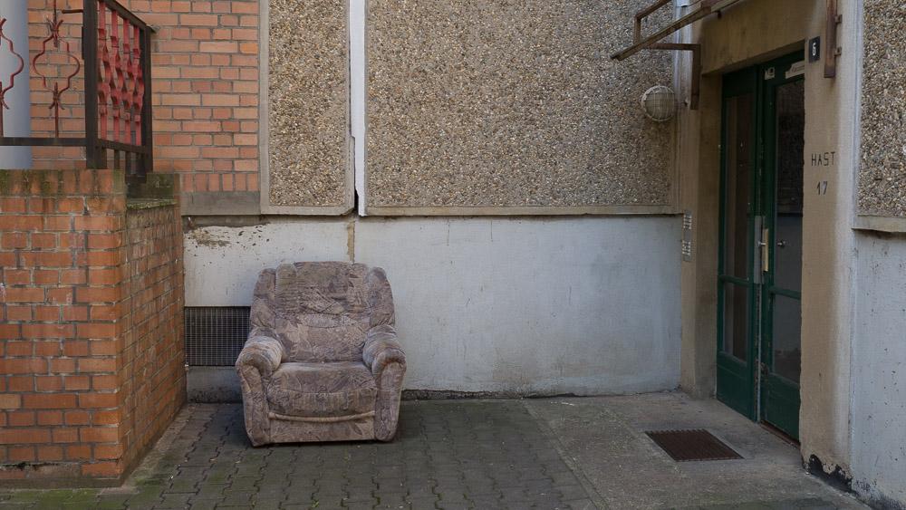 Sessel in Stadt (Foto: Kathrin Happe)