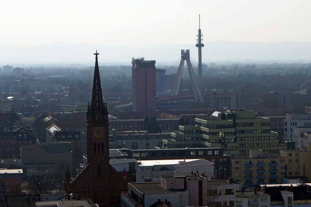 Ludwigshafen. Foto: Peter O. https://creativecommons.org/licenses/by/2.0/
